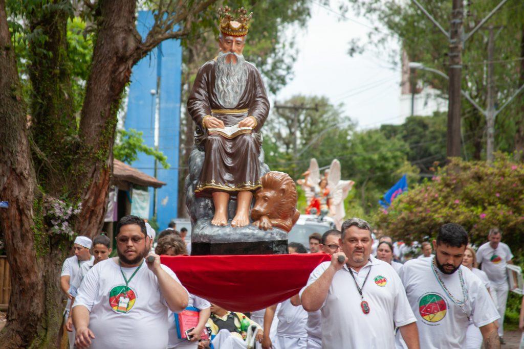 9ª Caminhada de Xangô da FAUERS, reuniu 2,5 mil pessoas neste domingo em Canoas